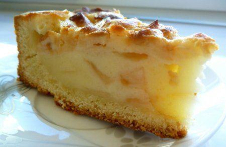 Яблочный цветаевский пирог со сметанной заливкой в мультиварке