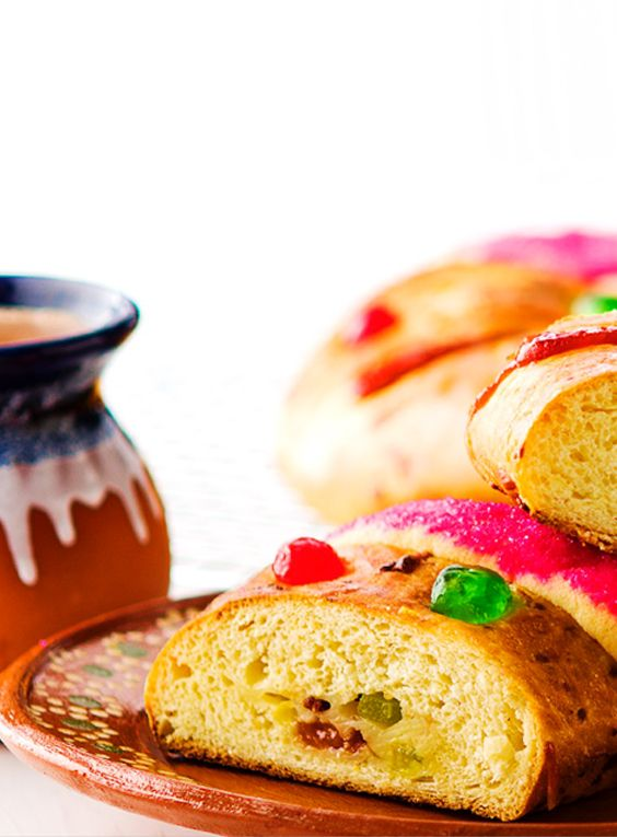 This year, why not try our recipe for Rosca de Reyes with your morning coffee? #LoveMyQueso
