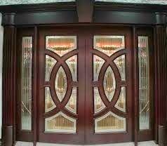 Una moderna puerta puede cambiar el look de la vivienda como se puede apreciar en las imagenes