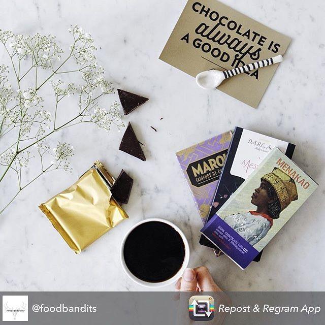 Prachtig shot van de special edition puur box door @foodbandits !  (en check hun originele post om te leren hoe je meedoet aan hun prijsvraag!) #chocolade #flatlay #relax #morning #coffee #chocolate #marou #menakao #mesjokke #chocola #prijsvraag #winnen #win #weekend