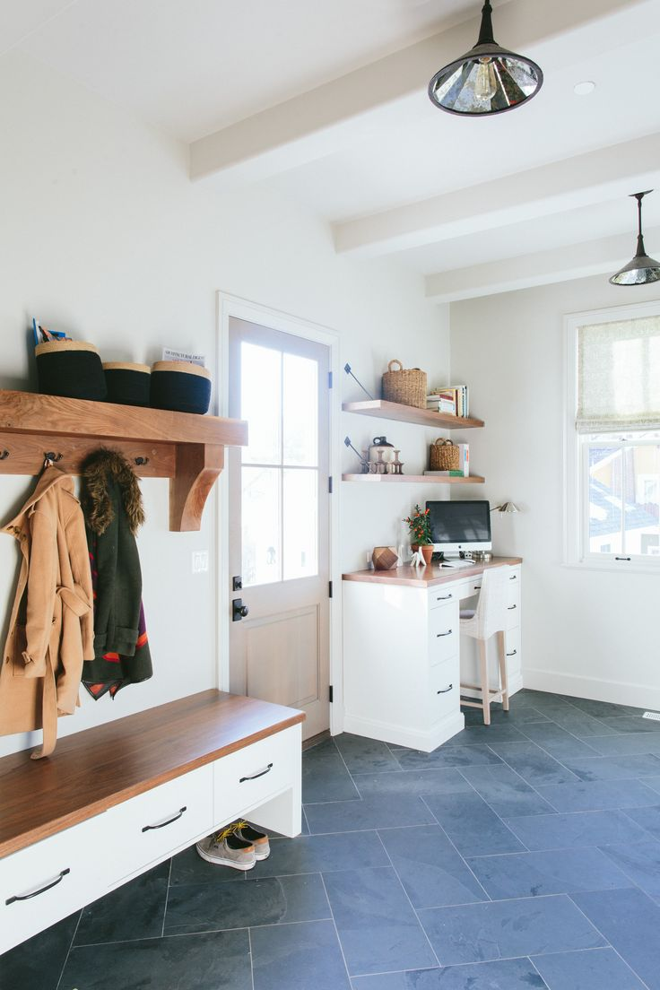 501 best farmhouse entry and mudroom images on pinterest for Farmhouse mudroom ideas