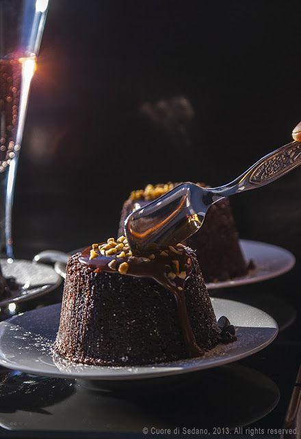 Minipudding al cioccolato,un dolce al cucchiaio facile e veloce, graziosissimo e profumato tutto da gustare.