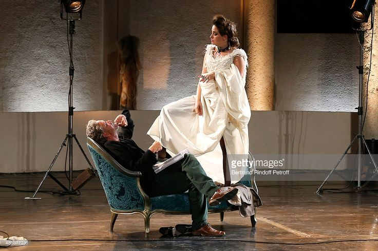 Photo d'actualité : Actors Nicolas Briancon and Marie Gillain perform...
