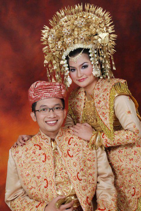 gaun pengantin pria dan wanita