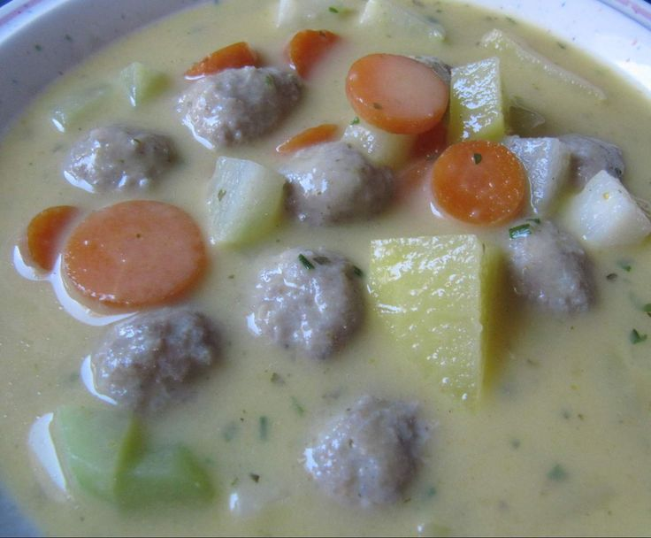 Rezept Kohlrabicremesuppe mit Fleischklößchen von sabri - Rezept der Kategorie Suppen