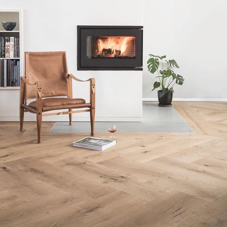 Wide plank flooring - Herringbone Oak by Dinesen