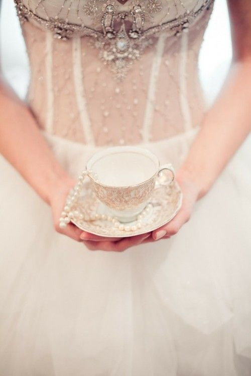 ♥♥: Teas Time, Inspiration, Teas Cups, Dresses, Hold, Cups Of Teas, Ana Rosa, Teacups, Teas Parties