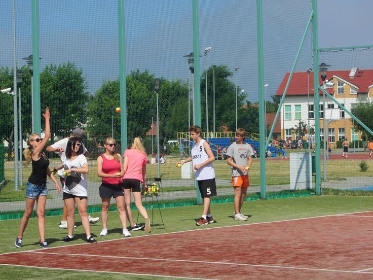 Nad morzem możemy wziąć udział w obozach tenisowych. #sport #tenis #wakacje #zabawa #aktywność