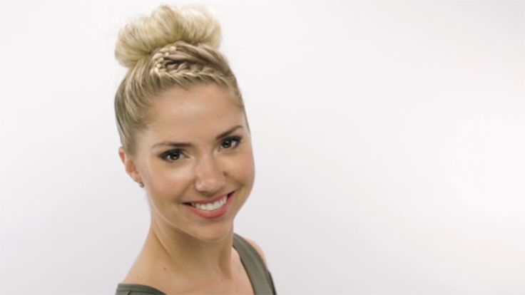 Zigzag Wrap-Up Top Knot Hyperlapse: Celebrity Hairstylist Sarah Potempa (Instagram: @sarahpotempa) shows off the perfect way to spice up a top knot.