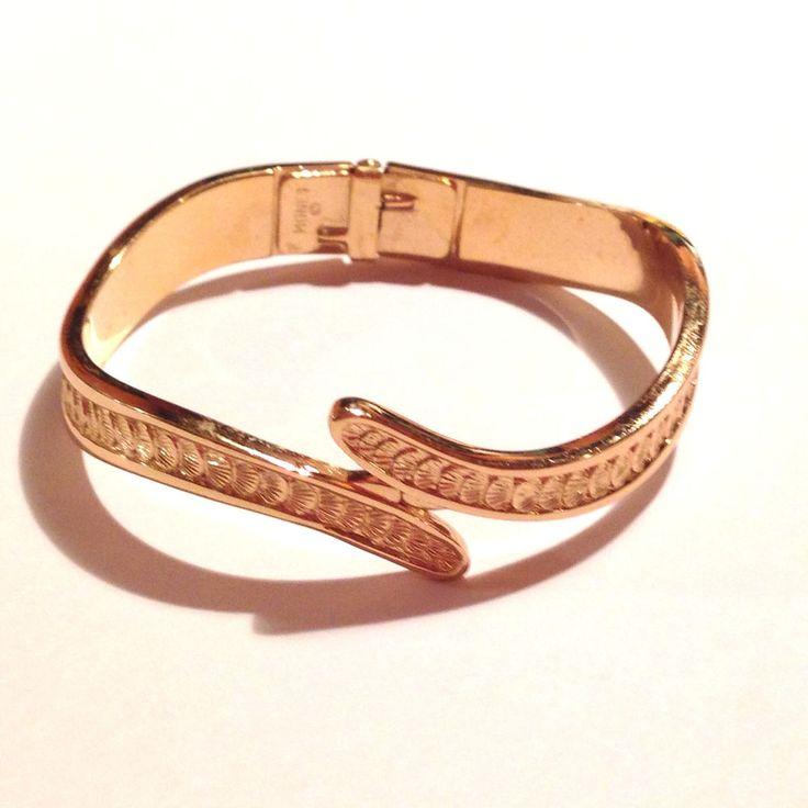 vintage monet gold tone cler bracelet shell design