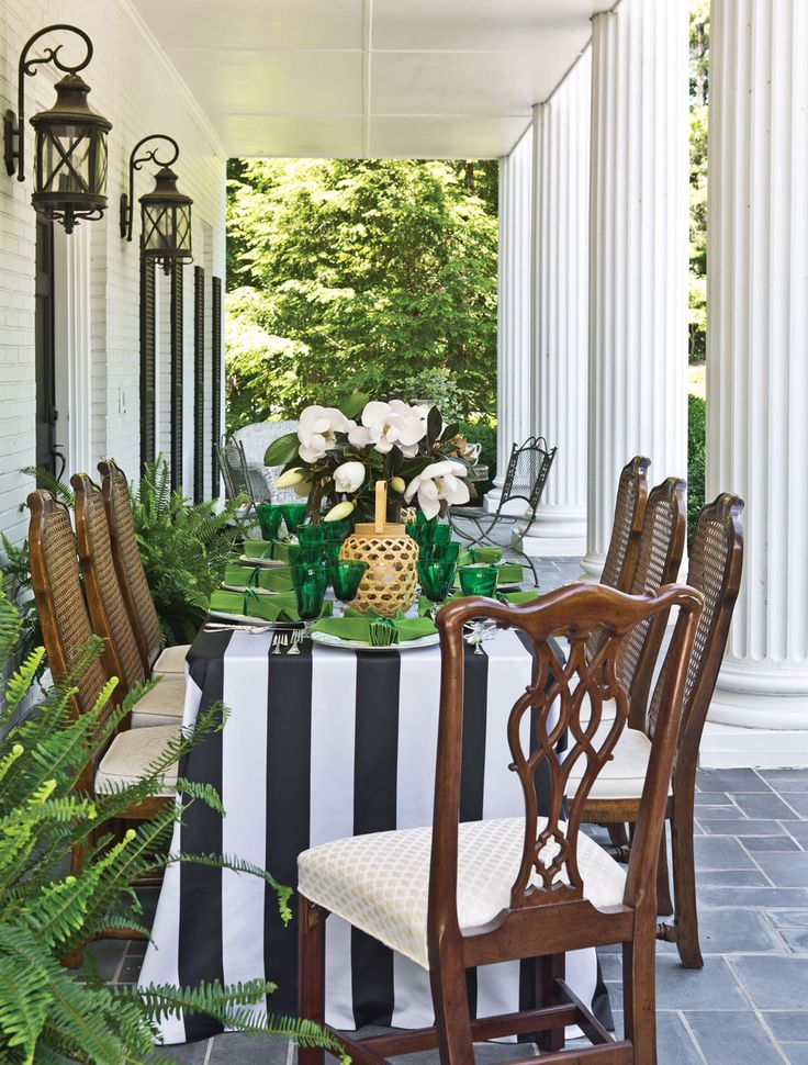 Gather your leading ladies for a luncheon that pays tribute to literary classic Gone With the Wind as it turns 80 this year, with a table fit for Tara in a decidedly Southern setting.