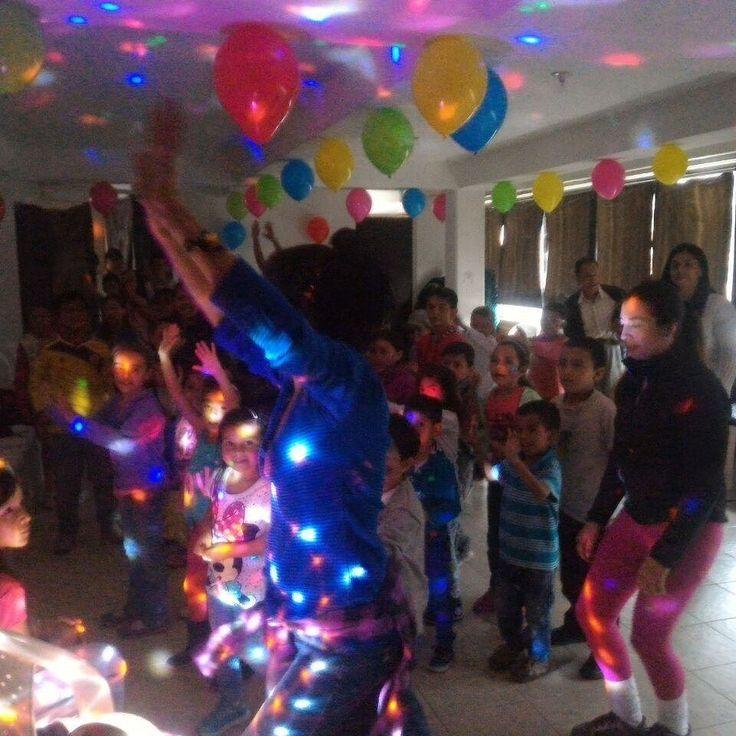 Hacemos las mejores fiestas infantiles con grandiosas #chiquitecas  celebra con nosotros tu evento 3204948120  llamanos  #fiestasinfantiles  #chiquitecas  #personajes  #decoración