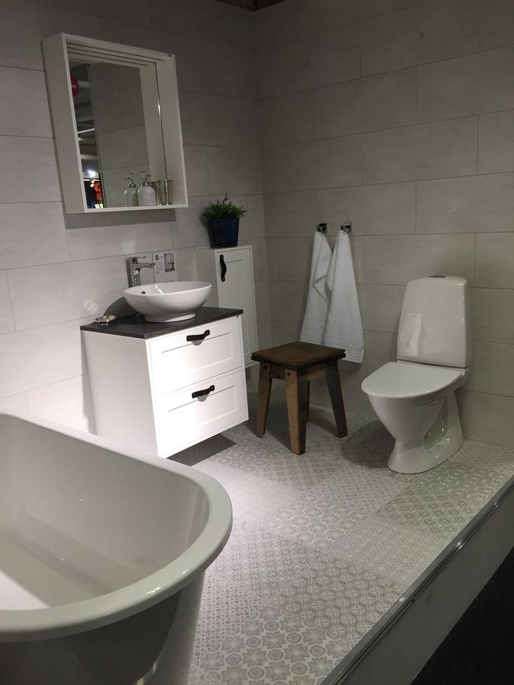 Golv & kakel tvättstuga. Kakel stora badrummet