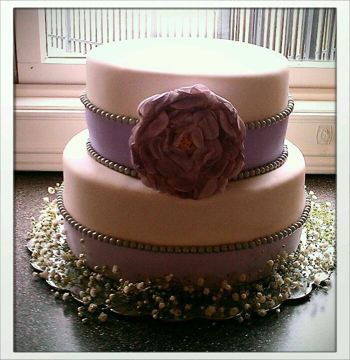 vintage purple bridal shower cake cakes by me pinterest bridal shower cakes shower. Black Bedroom Furniture Sets. Home Design Ideas