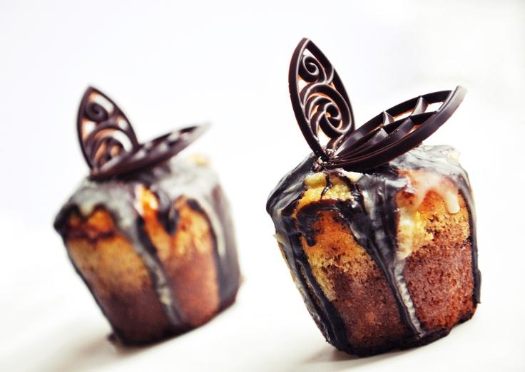 berry mascarpone muffins