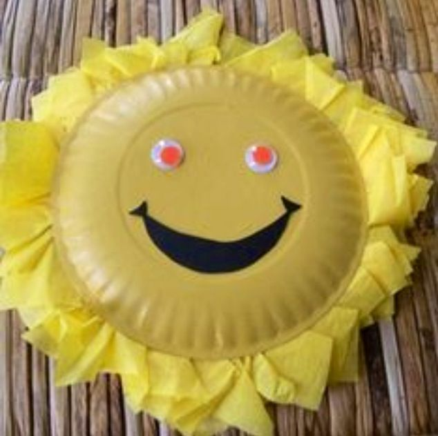 Such a happy sunshine for classroom bulletin board! Make out of paper plates and tissue paper.. kids can cut or tear the tissue. Would make a cute scarecrow even.. with white plate and then orange and yellow tissue along the top half!