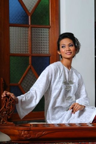 Malay Baju Kurung and Nyonya Dress - Traditional & Modern Variations