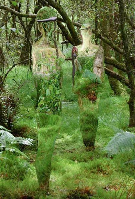 Amazing mirrored sculptures of humans and animals created by talented Scottish artist Rob Mulholland.      Mirrored life-size figures blend into surrounding environment and reflect the constant flux of movement day by day.    Looks like these reflective creations were inspired by the movie Predator.