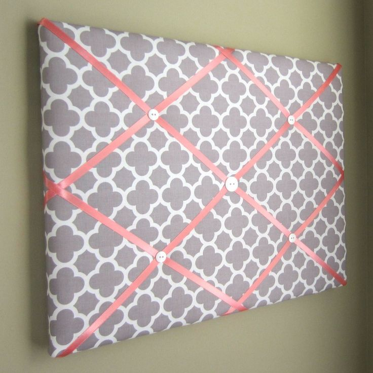 "16""x20"" Memory Board or Bow Holder-Grey & Coral Quatrefoil"