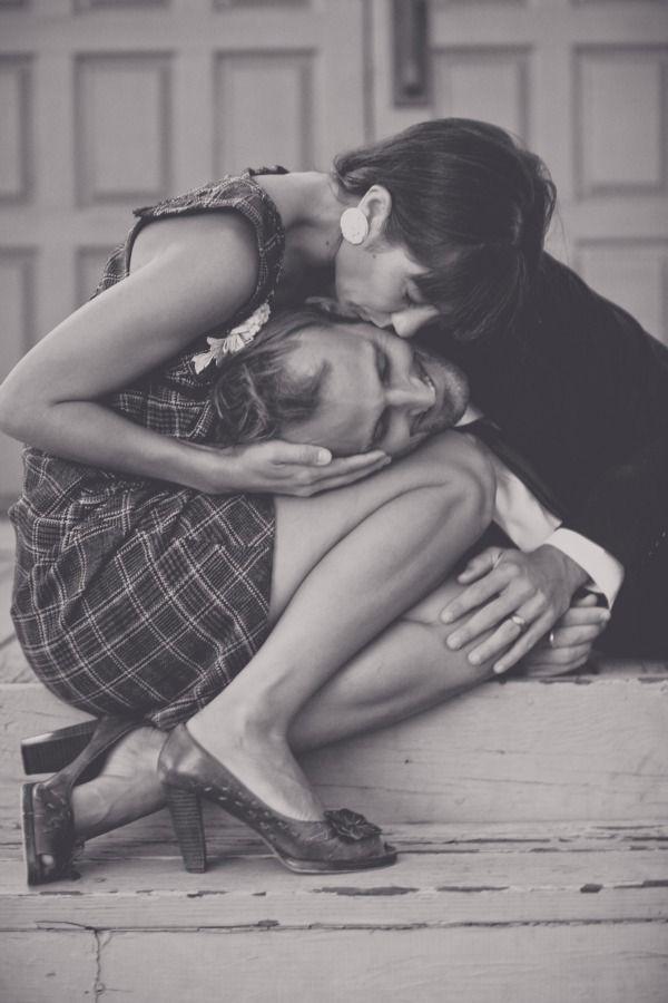 .: A Kiss, Photos Ideas, Romantic Vintage, Engagement Photos, Black White, Sweet Kiss, Romantic Moments, Romance, Couple Shots