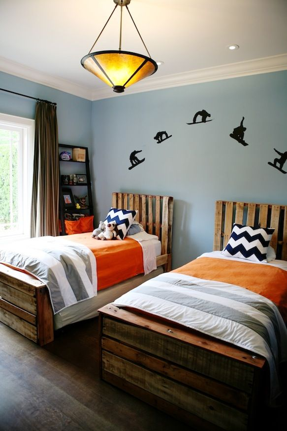 Pallet Beds for Shared Boys Room