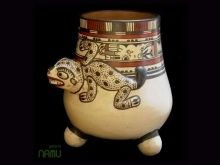 Costa Rica's indigenous Chorotega #pottery with #pre #Columbian aesthetic.