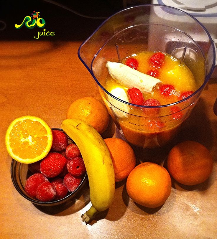 Winter smoothie. #Mamaia #Constanta #Romania #portocale #banane #capsune #blender #vitamine #sanatate #sucuri #sucurinaturale #detoxifiere #racoritor #juicebar #delicios #gustos #riojuice #juice #smoothie #fructe #fresh