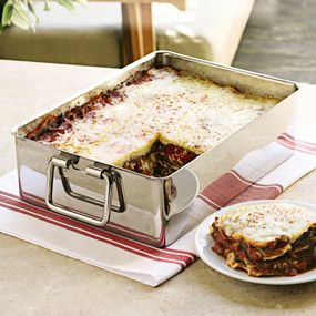 Deep Lasagna Pan - made lasagna last night & was concerned (always) that it would boil over. I think it's time to order this & quit worrying!!