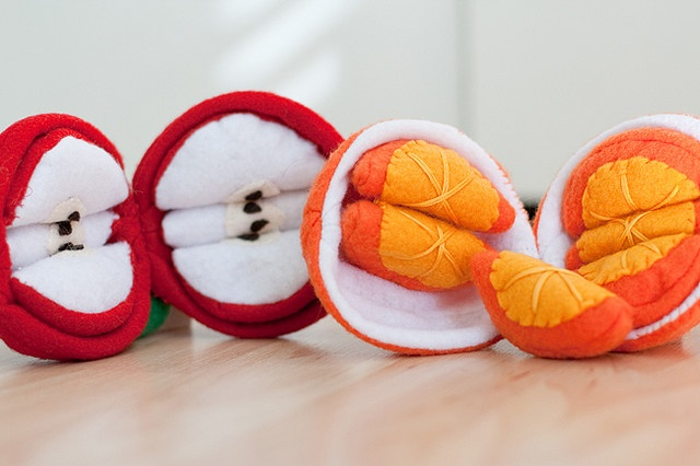 Apples and oranges with removable slices!