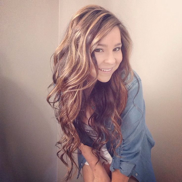 Dark to light transformation. Honey tones. Glazed hair. Long hair. Layers. Summer hair style.
