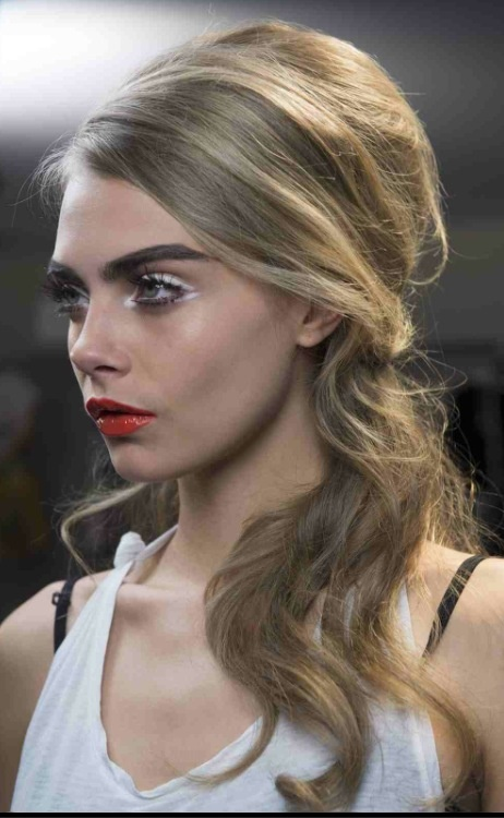Beauty Trend Red Matte Lips My Fur Pinterest Hair 60s Hair