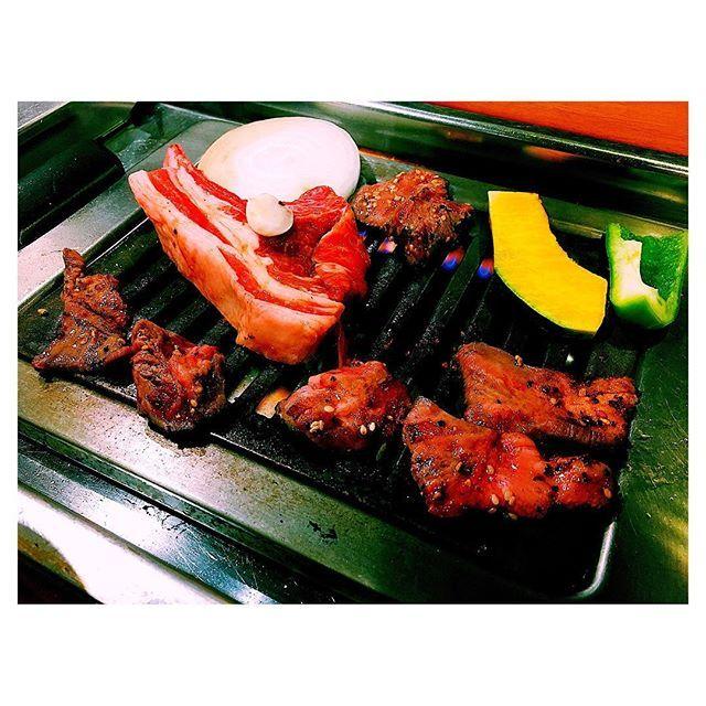 """. 肉は人を""""幸せ""""にする🥓🔥🍺🍋 、気がする . * * #札幌 #札幌グルメ #トトリ #豚トロ #牛タン #🍋 #🥓 #🍺 #肉 #肉好き #肉女子 #グルメ好きな人と繋がりたい #sapporo #gourmet #foodphotography #foodpics #instafood #japanesefood #bier #grilled #🔥 #foodstagram #w7foods #like4like #l4l"""