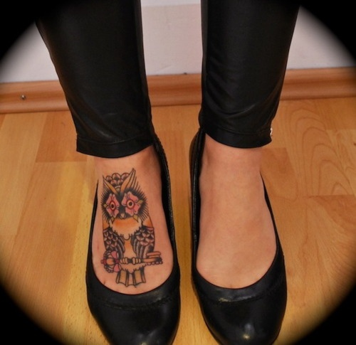 Want! Adorable Owl! Love the placement