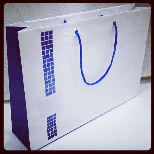 А у нас снова SALE!!!  #Пакет из мелованной бумаги, размер 36х25х8см, в наличии 153шт., цена -20 руб/шт  #apollo7 #apollo7paks #москва #фото #стиль #fashion  #подарок #вк #готовыйпакет #цвет #мода #мимими #стиль #красиво #мило #улыбка #друзья #работа #момент #бумажныйпакет #фирменныйпакет #упаковка #распродажа #акция #sale #russia #типография #moscow #msk