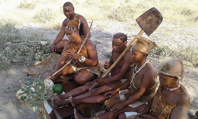 Traditional entertainment from Kalahari Plains' San Bushmen family sets the tone for sundowners in the desert...