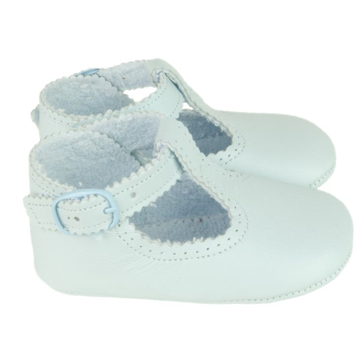 Pale blue soft baby shoes   #baby#shoes#blu#cuquito# http://www.belito.nl