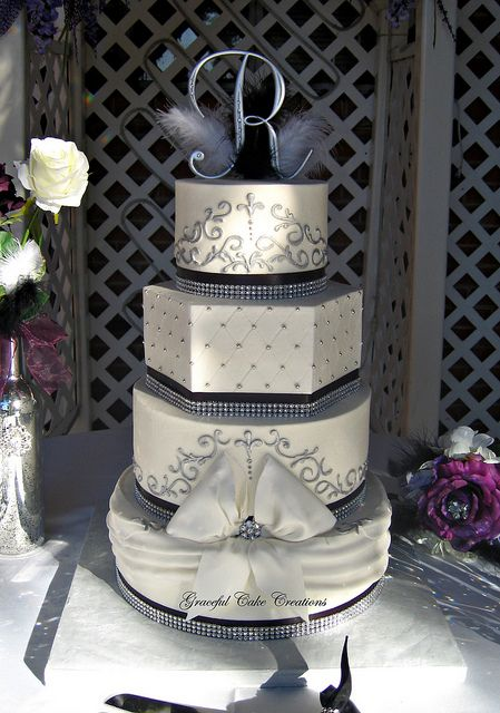 bling wedding cakes uk 17 best ideas about black white cakes on black 11936