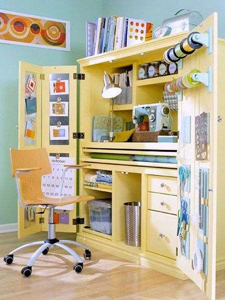 A sewing nook that's a real space saver. #sewing #studio #sewingstudio #nook