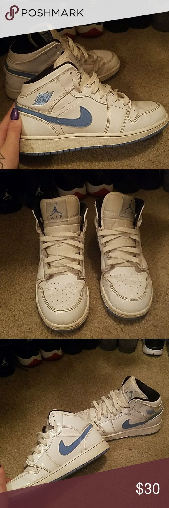 Air Jordan Retro 1s white and baby blue jordans. 100% authentic. fits a 6 1/2 or 7 in womens. in good condition Jordan Shoes Sneakers