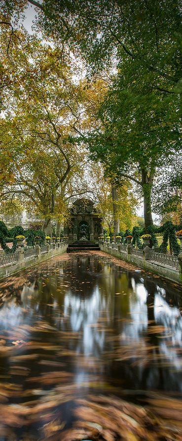 Fontaine de Médicis, Paris, France