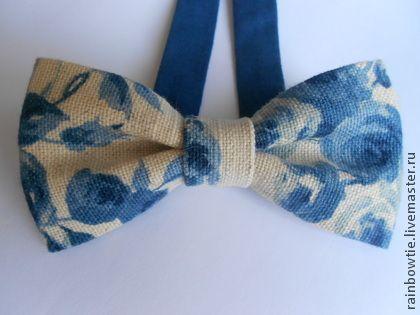 Галстуки, бабочки ручной работы. Ярмарка Мастеров - ручная работа Льняная в синие цветы на застежке. Handmade.