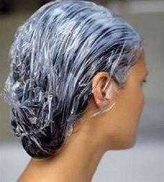 Avoir les cheveux raides permanents avec du miel.