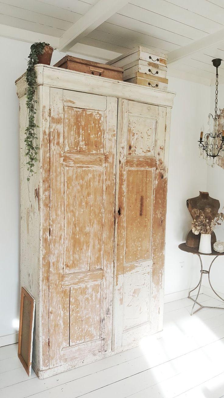 Rustic Painted Cabinet - via Servies & Brocante: Inspiratie Afgelopen week kwam het nieuwe boek van Hans Blomquist...