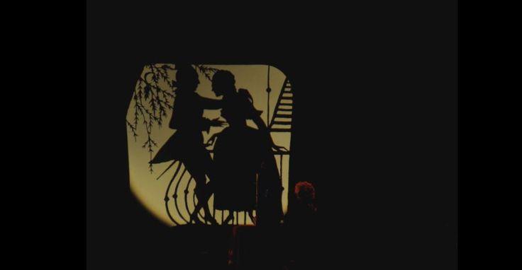 So di aver vissuto perché ho avuto delle sensazioni! Giacomo #Casanova Una frase che ben sintetizza la sua vita. Casanova passò anche da Palazzo Angeli, sede del nostro museo, poiché amico del Memmo. Inoltre vicino Prato a Valle, il nostro, duellò con un baro per questioni di gioco. Vetri #erotici per #Lanterna #Magica.