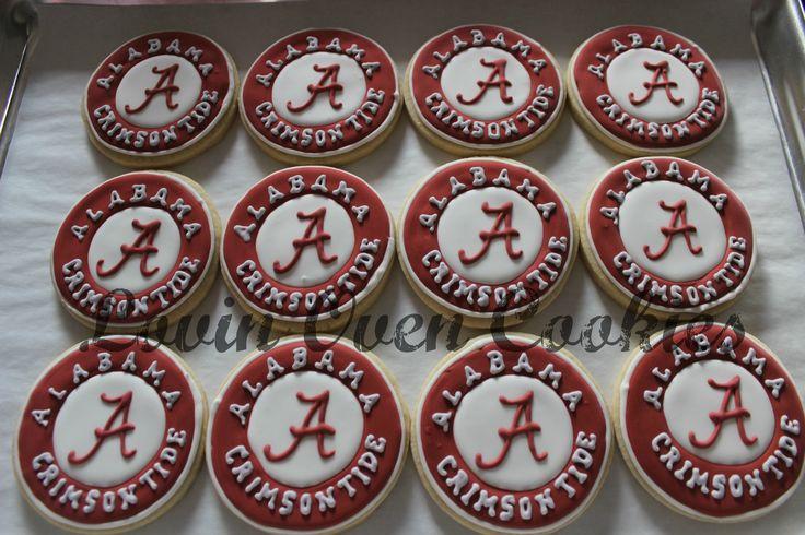 University of Alabama Crimson Tide decorated sugar cookies from Lovin Oven Cookies www.etsy.com/shop/LovinOvenCookies
