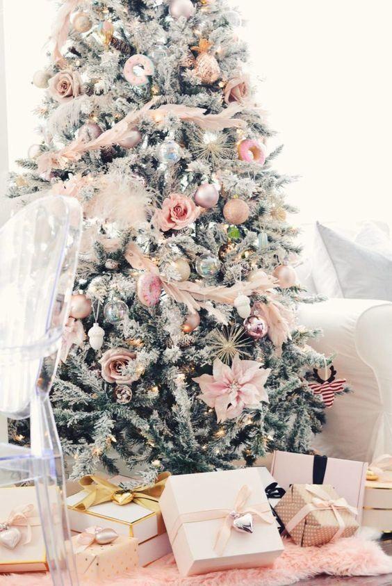 Fiori Bianchi Per Albero Di Natale.Albero Di Natale Con Fiori Natale Dorato Natale E Bianco Natale