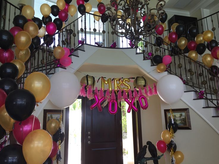 Pink Gold Amp Black Entrance Way With Large Quot Mrs Quot And Quot Xoxo