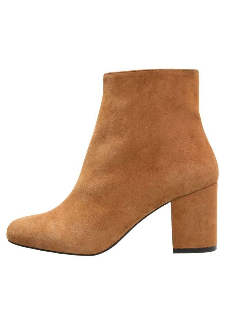 Zalando Iconics Ankle boot tan