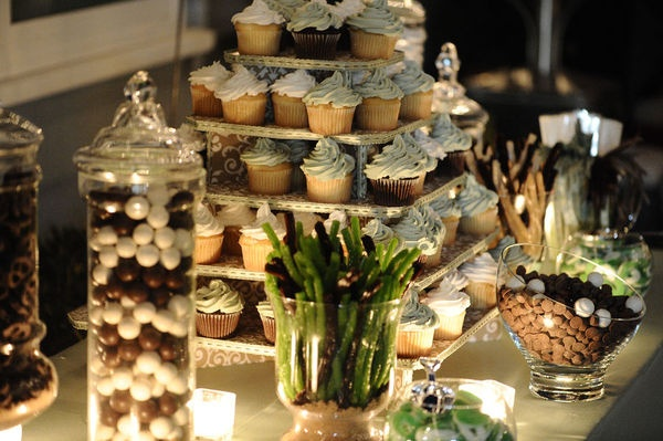 Elegant wedding display: Display Cupcakes, Photo Books, Cupcakes Candles, Cupcakes Photography, Wedding Desserts, Events Planners, Events Inspiration, Cupcakes Stands, Cupcakes Rosa-Choqu