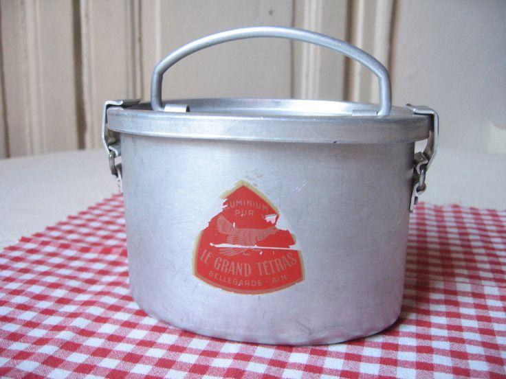 """Ancienne boîte à repas """"Le Grand Tétras""""/ Lunch box vintage / Boîte aluminium / Boîte pique-nique rétro / Boîte à goûter / Vintage français de la boutique LMsoVintage sur Etsy"""